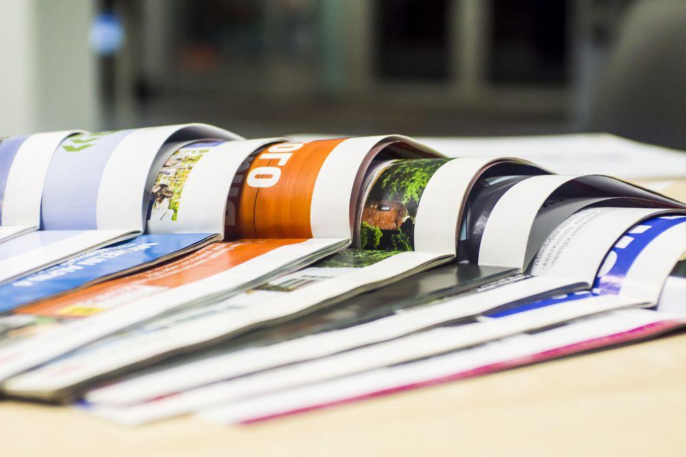 what is print media advertising